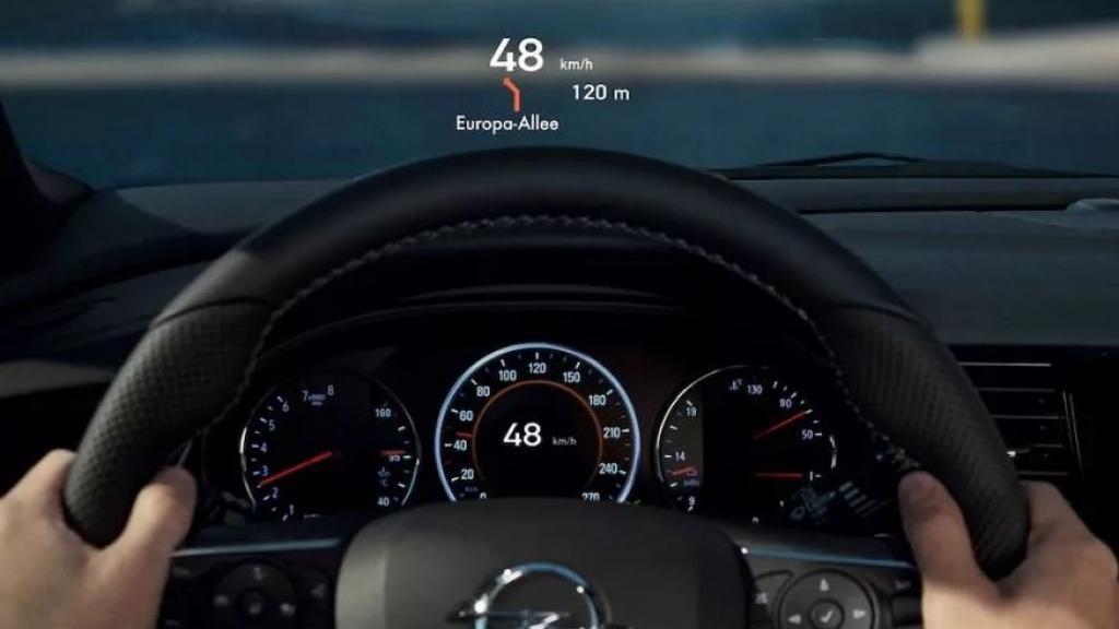 AGC lansira HUD na auto staklima za Opel Insigniu